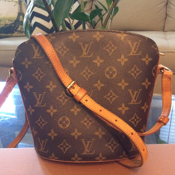 cec5863b8171 Louis Vuitton Bags